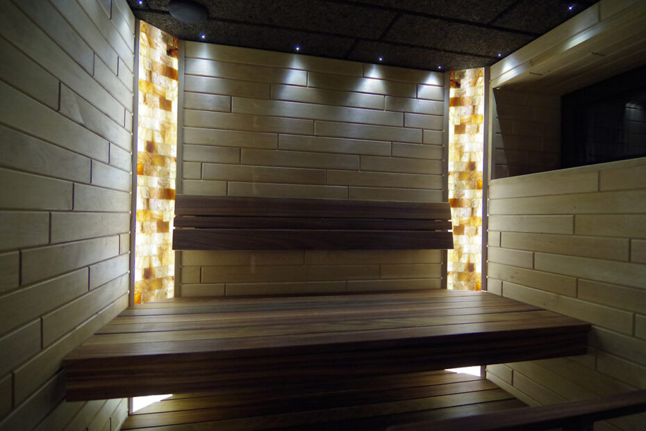 Salt-bricks-in-sauna-01